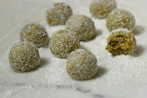 Vanilla & Coconut Pistachio Balls 8