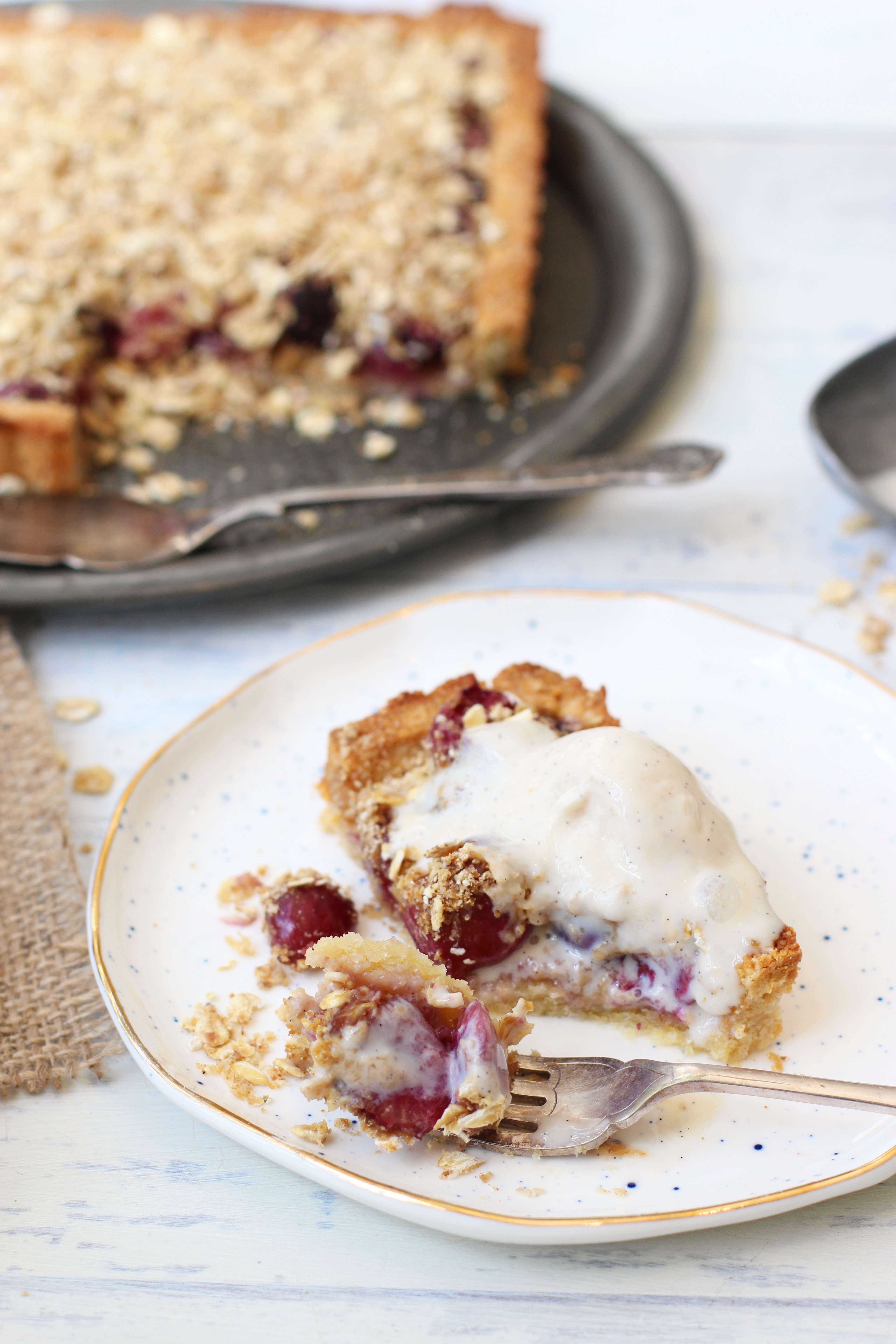 Cherry Crumble Pie 4