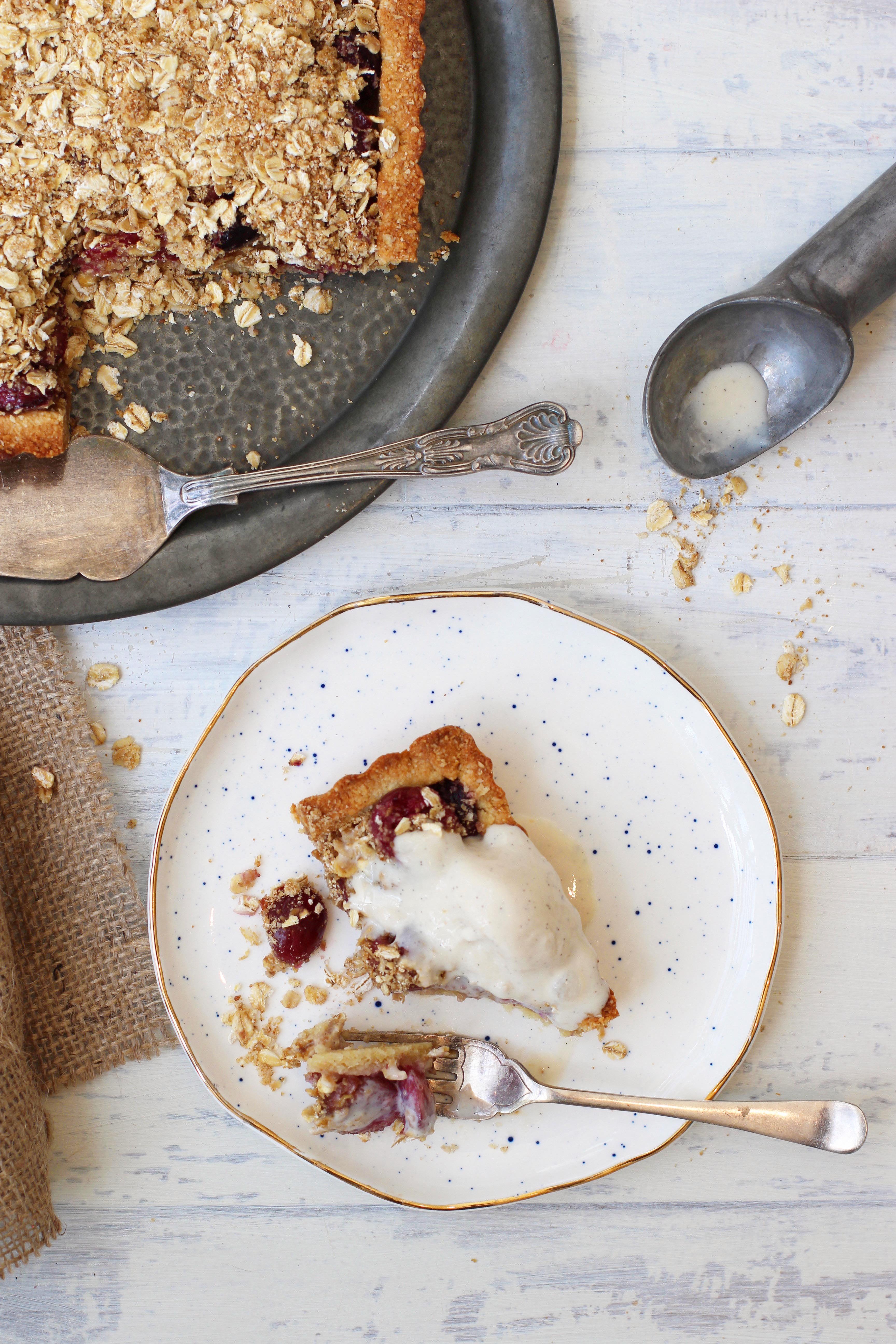 Cherry Crumble Pie 8